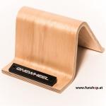 Das Onewheel des neue elektrische selbstbalancierende Surfboard für die Straße und das Gelände mit Zubehör Wave Stand im FunShop Wien kaufen testen und probefahren