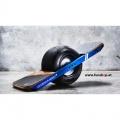 Das original Onewheel Plus das neue elektrische selbstbalancierende Surfboard für Straße und Gelände beim Experten für Elektromobilität im FunShop Wien kaufen testen und probefahren