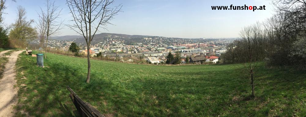 Der FunShop Wien unterwegs mit dem elektrischen Einrad Kingsong KS14 durch den 13 Bezirk der steilen Lainzer Tiergarten Mauer entlang Ausblick Hanappi Stadion