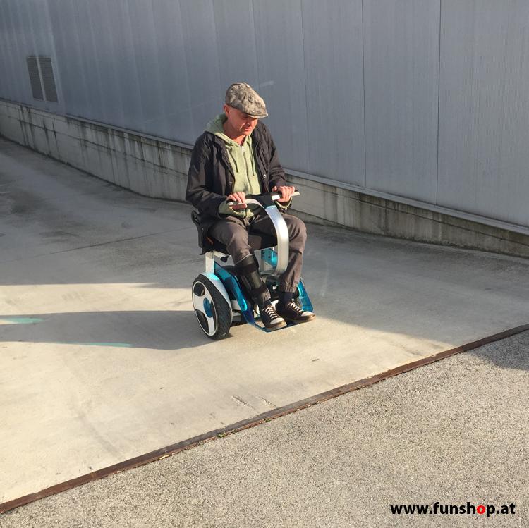 Electric wheelchair Nino from Nino Robotics test drive up beim Experten für Elektromobilität im FunShop Wien testen und kaufen