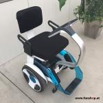 Elektrischer Rollstuhl Nino mit Segwaytechnik beim Experten für Elektromobilität im FunShop Wien testen und kaufen
