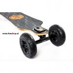 Evolve Bamboo GTX All-Terrain Longboard elektrisches Skateboard von vorne oben beim Experten für Elektromobilität im FunShop Wien testen und kaufen