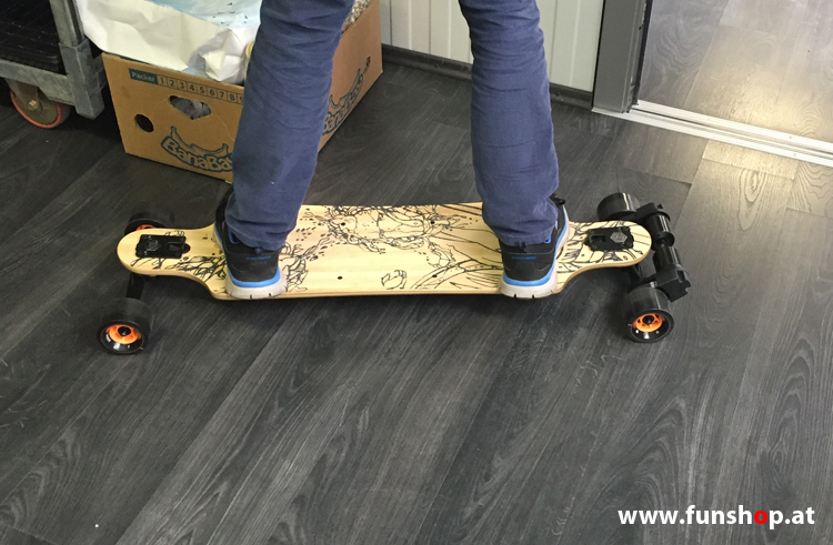 Evolve GT Bamboo Street electric skateboard longboard try out and buy at FunShop Vienna Austria