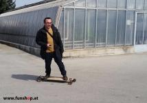 Evolve GT Bamboo Street elektrisches Longboard Skateboard Kurvenlage beim Experten für Elektromobilität im FunShop Wien Österreich kaufen und testen