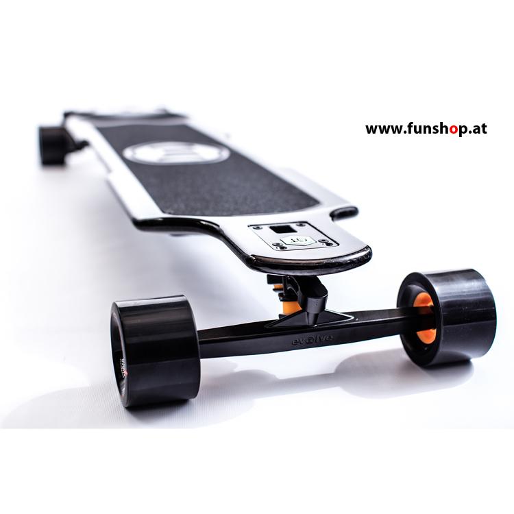 Evolve GT Carbon Street elektrisches Skateboard von vorne beim Experten für Elektromobilität im FunShop Wien testen und kaufen