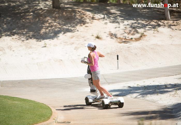 Golfboard der neue elektrische Golf Trolley der auch Frauen Spass am Golfplatz macht im FunShop Wien kaufen testen und probefahren