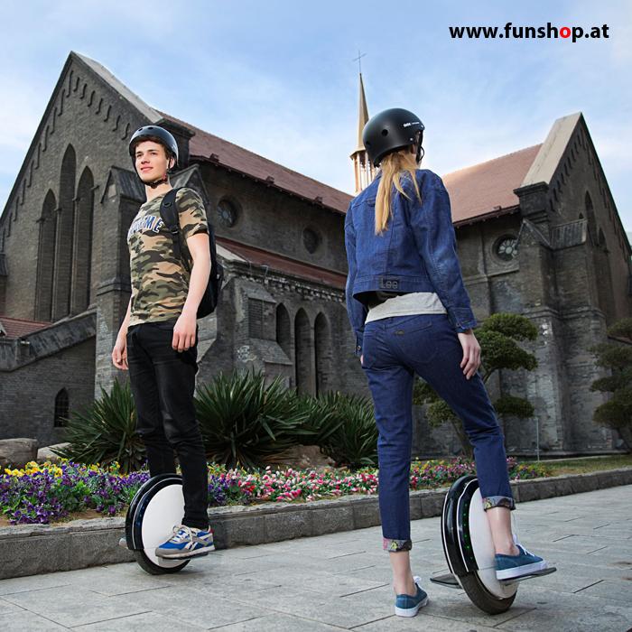 Ninebot One S2 elektrisches Einrad in weiss und schwarz Elektromibilität die Spass macht beim österreichischen Einradexperten FunShop Wien kaufen testen und probefahren