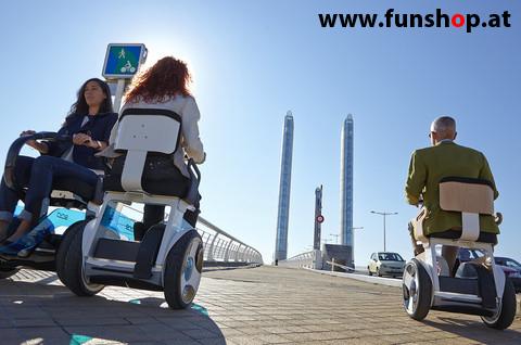 Nino Robotics der neue elektrische selbstbalancierende Rollstuhl der 3 Personen Spass macht im FunShop Wien kaufen testen und probefahren