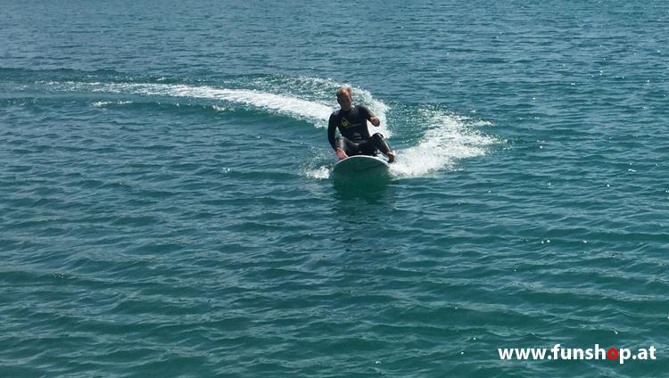 Onean Carver elektrisches Jetboard im Sitzen electric surfboard carver first try sitting beim Experten für Elektromobilität im FunShop Wien kaufen