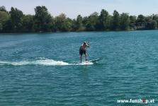 Onean Carver elektrisches Jetboard im Stehen electric surfboard carver standing beim Experten für Elektromobilität im FunShop Wien kaufen