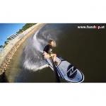 Onean elektrisches Jetboard und Surfboard Carver mit Girl beim Surfen beim Experten für Elektromobilität im FunShop Wien kaufen