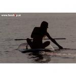 Onean elektrisches Jetboard und Surfboard Manta mit Girl Sonnenuntergang beim Experten für Elektromobilität im FunShop Wien kaufen
