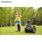 original-io-chic-cross-golf-segway-paar-beim-golfspiel-in-schwarz-silber-fuer-den-outdoor-einsatz-beim-elektromobilitaets-experten-funshop-wien-kaufen