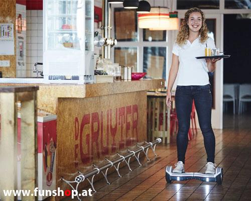 Oxboard Hoverboard weiss rot schwarz im Lokal im FunShop Wien kaufen und testen 1