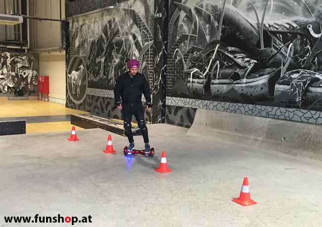 Oxboard und IO Angelboard Hoverboard im FunShop kaufen und testen beim ATV Test mit Andreas Moravec im Bloomfield Leobersdorf SK8 Skate Zone Hindernisbahn 3