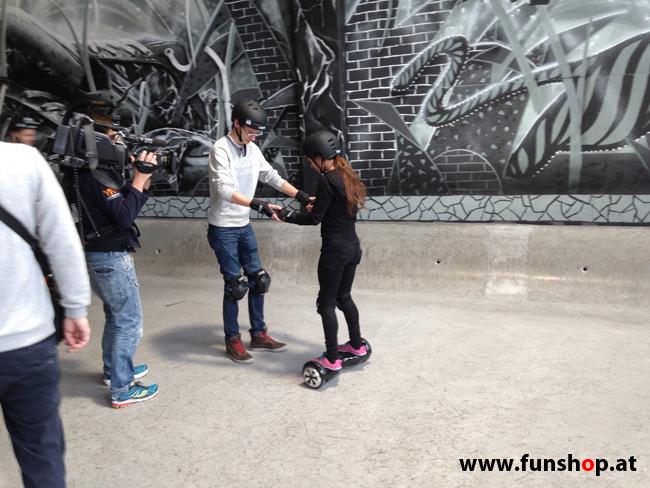 Oxboard und IO Angelboard Hoverboard im FunShop kaufen und testen beim ATV Test mit Andreas Moravec im Bloomfield Leobersdorf SK8 Skate Zone erste Fahrversuche 3