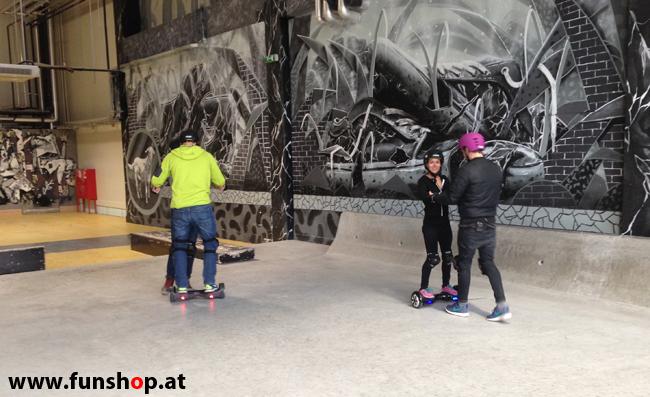Oxboard und IO Angelboard Hoverboard im FunShop kaufen und testen beim ATV Test mit Andreas Moravec im Bloomfield Leobersdorf SK8 Skate Zone erste Fahrversuche 4