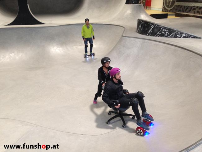 Oxboard und IO Angelboard Hoverboard im FunShop kaufen und testen beim ATV Test mit Andreas Moravec im Bloomfield Leobersdorf SK8 Skate Zone mit viel Spass