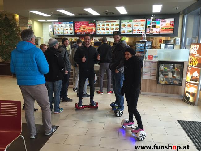 Oxboard und IO Angelboard Hoverboard im FunShop kaufen und testen beim ATV Test mit Andreas Moravec vor im Burger King