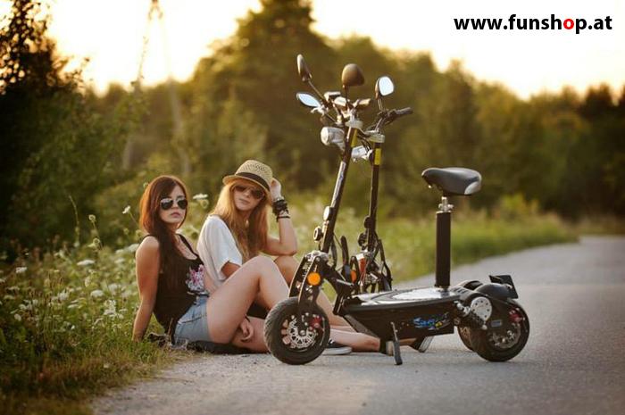 SXT Elektro Scooter im FunShop kaufen