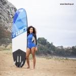 onean-carver-twin-jetboard-elektrisch-surfboard-dual-drive-girl-beach-funshop-wien
