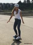 onewheel-plus-xr-funshop-vienna-austria-girls-electric-mobility-fun